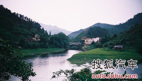 镇海九龙湖风景区是宁波市十佳新景之一.